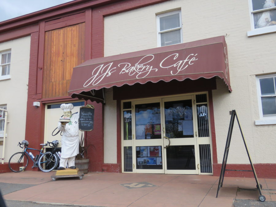 Jj Bakery And Cafe Hours